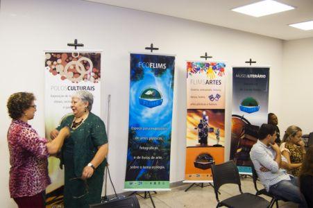 Idealizadora da Feira, a presidente da Associação Internacional dos Poetas, Deslanieve Daspet<br />Foto: Divulgação