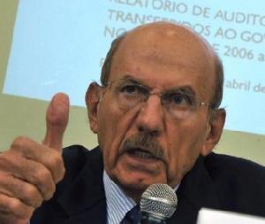"""</p> <p style=""""text-align: justify;"""">Embora a lei esteja em vigor desde janeiro, ela ainda não foi aplicada, porque não ocorreu nenhum fato posterior, segundo o ministro. Perguntado se o caso da Operação Lava Jato, que envolve a Petrobras, não poderia re"""
