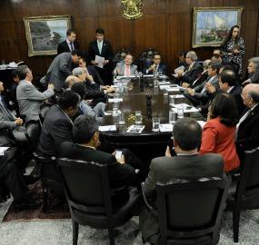 Líderes da base e da oposição se reuniram com Renan e com Henrique Alves<br />Foto: Jane de Araújo/Agência Senado