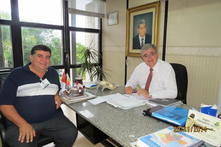 Deputado estadual, Carlos Marun (PMDB) e o vereador de Mundo Novo, Vanderlei Botega<br />Foto: Divulgação