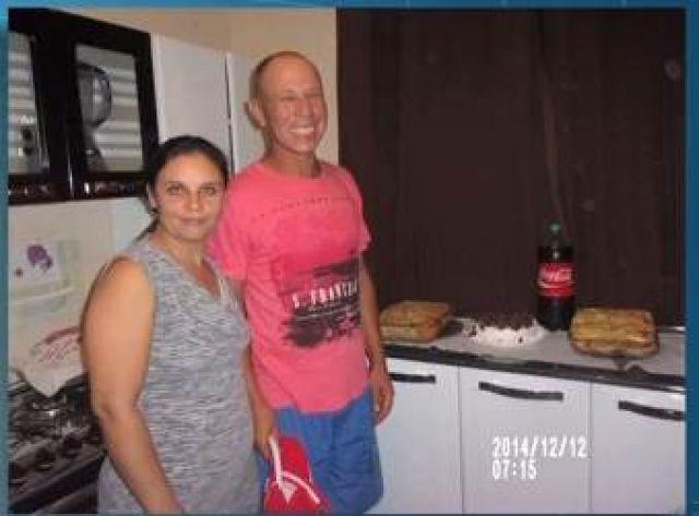 O carro do casal foi encontrado incendiado na manhã da última segunda-feira<br />Foto: Divulgação