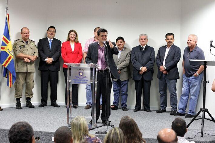 Prefeito empossa secretário municipal de Segurança Pública e diretora-presidente da Agetran<br />Foto: Divulgação PMCG