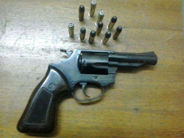 Arma apreendida com autor de tentativa de homicídio, em Ponta Porã<br />Foto: Assessoria PM