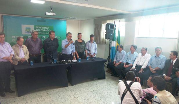 Coletiva de imprensa onde governador eleito Reinaldo Azambuja (PSDB) anunciou 12 dos 13 secretários estaduais<br />Foto: Leide Laura Meneses