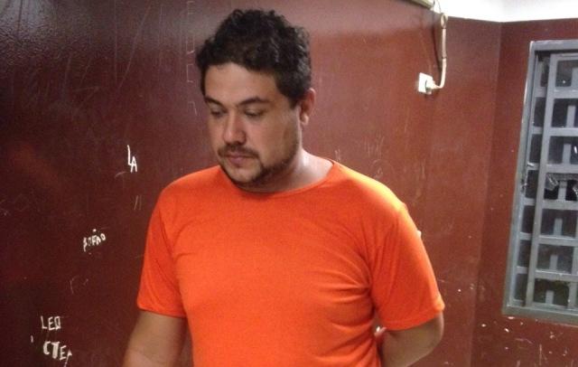 Leandro está foragido há 9 meses