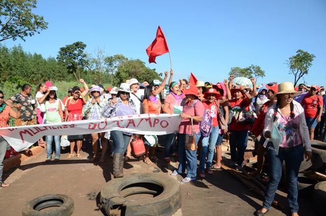 Foto do MST no bloqueio da segunda-feira (5)<br />Foto: divulgação