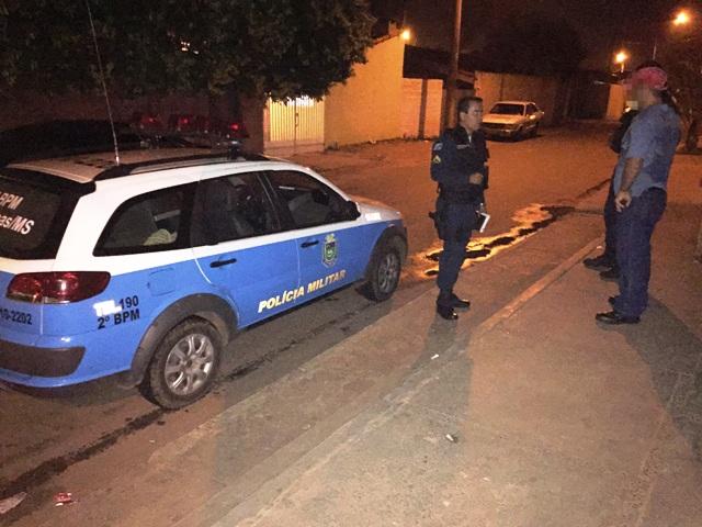 No local do encontro com a ex-mulher, o serralheiro foi abordado por três homens, que levaram o carro<br />Foto: Marco Campos
