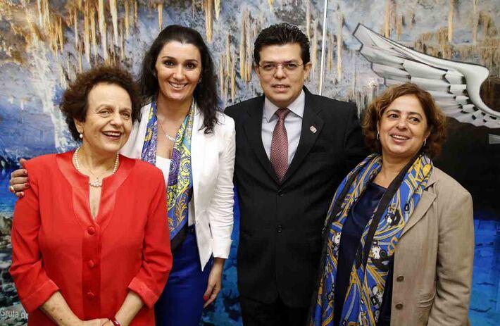 Eleonora Menecucci, Liz Matos, Gilmar Olarte e Cida Gonçalves na Casa da Mulher Brasileira