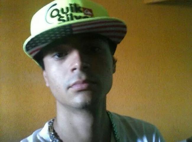 """</p> <p style=""""text-align: justify"""">Foi preso na tarde de ontem, Natan Augusto Marques, de 22 anos, pois a polícia conseguiu recuperar as fotos que estavam em seu celular e o rapaz será indiciado por armazenar imagens de cunho sexual de adolescente e se"""
