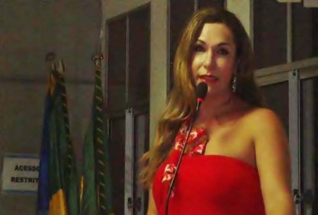 Luma Andrade poderá ser a primeira travesti reitora do Brasil