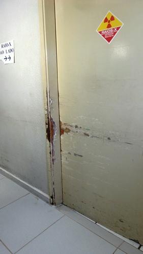 As portas do Prontomed também serão trocadas com a reforma<br />Foto: Dany Nascimento