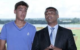 Romarinho tenta recomeço no Vasco, onde o pai Romário brilhou<br />Foto: Reprodução