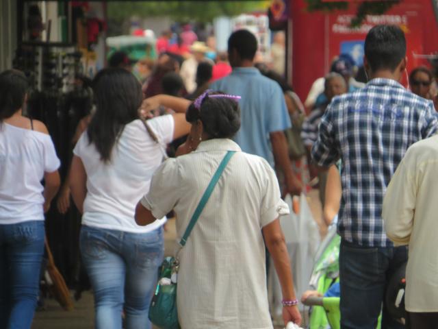 Lojas fecharão por 1h em apoio ao manifesto dos caminhoneiros -