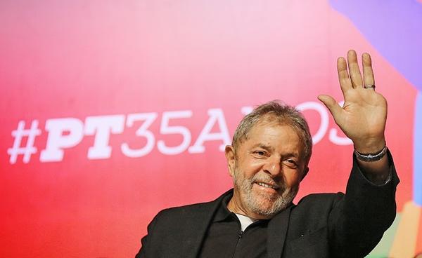 Lula durante discurso de comemoração aos 35 anos do PT