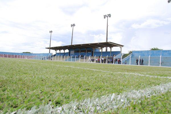 Comercial e Misto estreiam grama nova do estádio amanhã