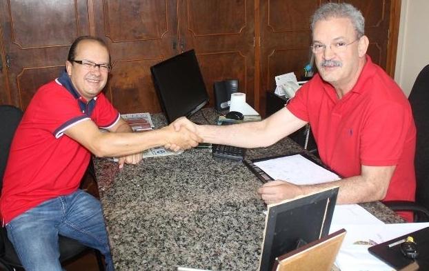 Barbosinha (PSB) e Geraldo Resende (PMDB) durante encontro