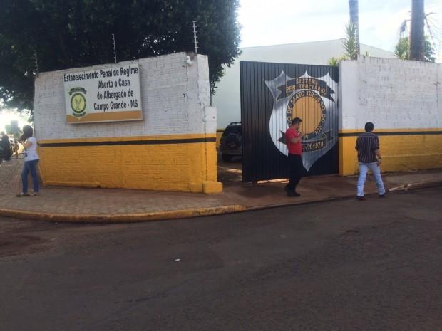 O agente penitenciário foi executado com quatro tiros na manhã de ontem, dentro do Estabelecimento Penal Aberto e Casa do Albergado na Vila Sobrinho