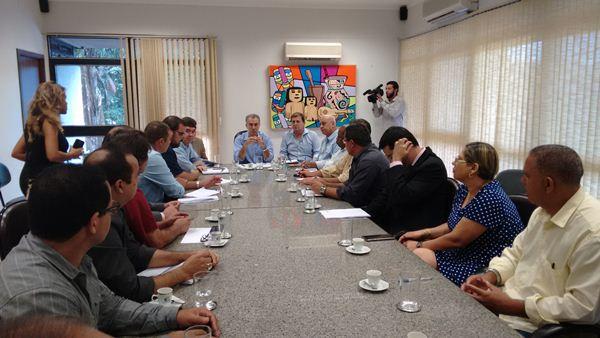 Reunião entre Reinaldo Azambuja e classe de servidores estaduais