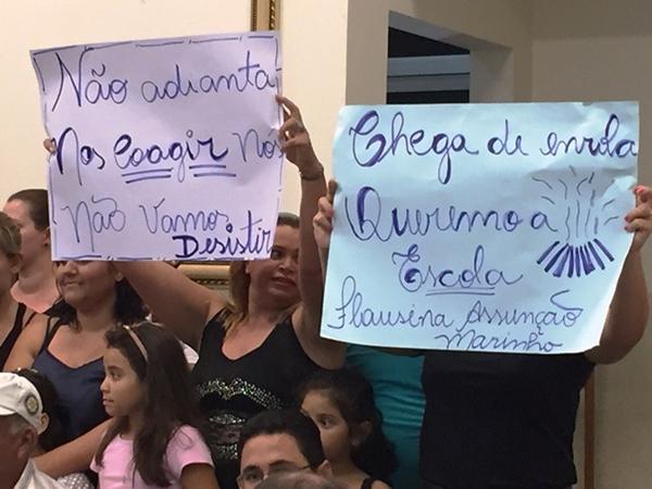 A sessão ordinária de ontem da Câmara de Três Lagoas foi de manifestações feitas a uma vereadora e ao Poder Executivo Municipal, da gestão do PMDB.