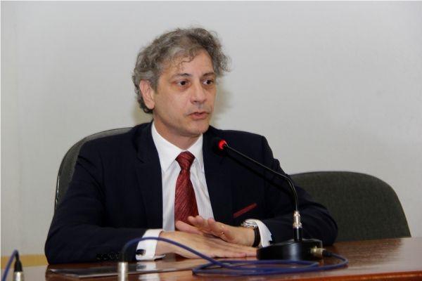 A ameaça foi feita ontem pelo juiz do TJ/MS Ricardo César Carvalheiro