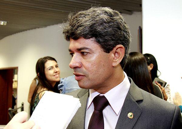 Líder do governo explica que partido está conversando com Kayatt e Guerrueiro