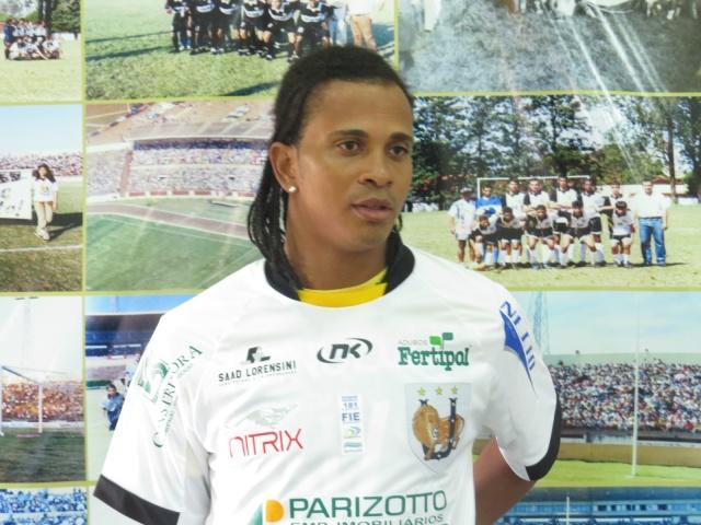 Zagueiro foi apresentado no dia 14 de janeiro e teria recebido proposta do futebol do Tocantins