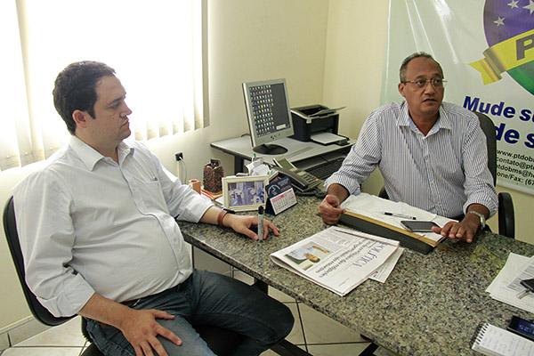 Marcio Fernandes e Morivaldo Firmino iniciam reunião para definição 2016.