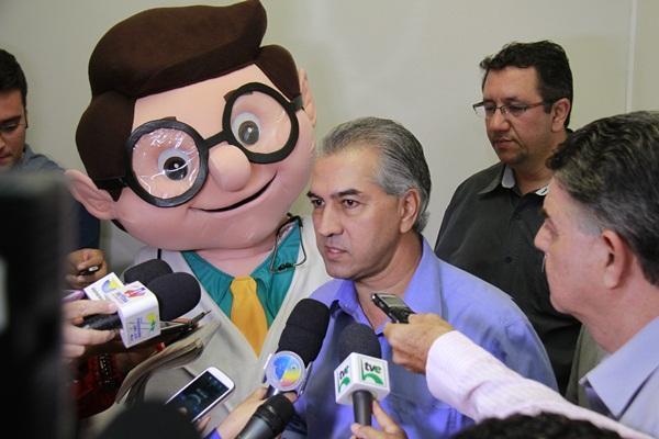 Reinaldo Azambuja (PSDB) disse que os profissionais receberão pela tabela SUS/Foto:Wanderson Lara