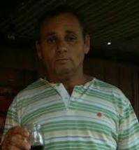 Oliveira foi visto pela última vez na noite de ontem, usando calça social de cor preta, camisa de cor branca do time São Paulo, e uma mochila também de cor preta
