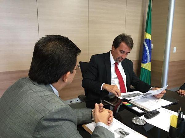 Prefeito Gilmar Olarte e Ministro Gilberto Occhi