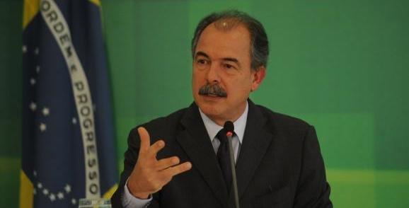 Aloizio Mercadante, ministro da Educação.