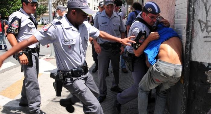 Abuso de força polícia tornou-se um fato corriqueiro.
