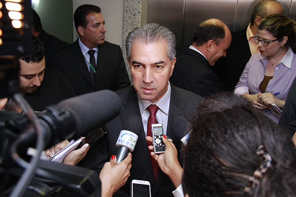 Governador Reinaldo Azambuja.