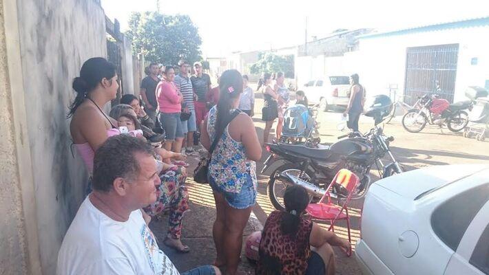 Moradores reclamam da demora na entrega de casas