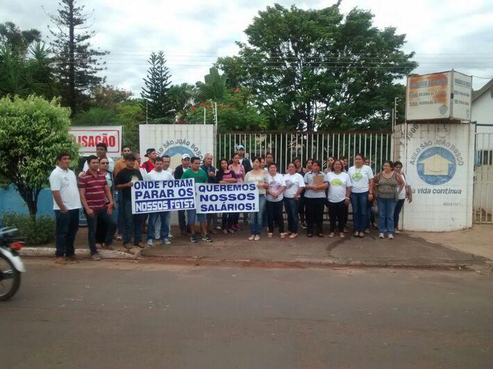 Paralisação dos funcionários do asilo São João Bosco