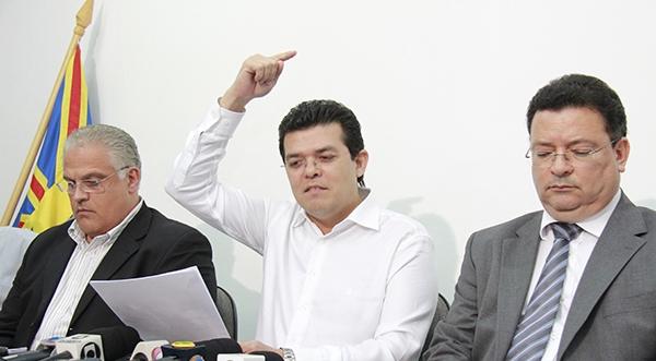 Secretário André Scaff, Prefeito Gilmar Olarte e Secretário Wilson do Prado/Foto:Wanderson Lara