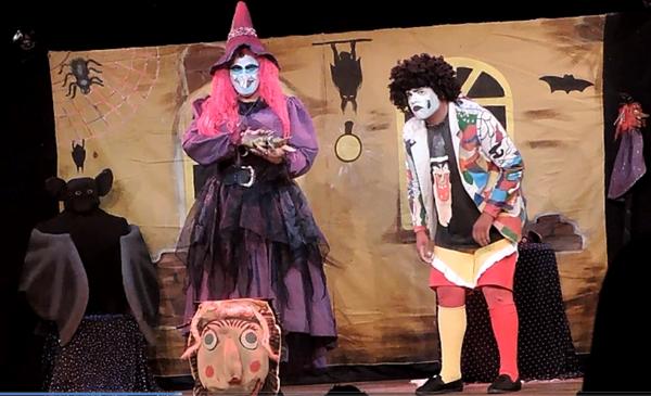 """Espetáculo """"A Vassoura da Bruxa""""/Foto: Heloisa Lazarini"""