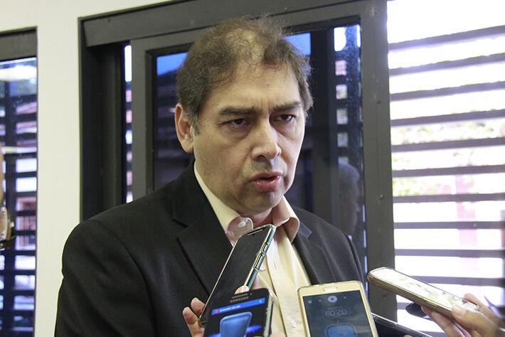 Prefeito Alcides Bernal.