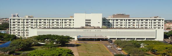 Santa Casa de Campo Grande localizada , localizada na Eduardo Santos, número 88 - Centro