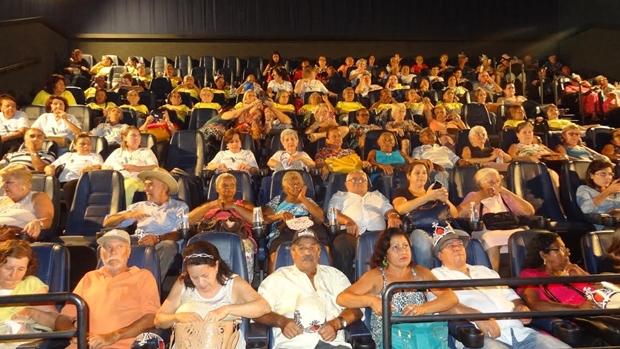 Idosos vão ao cinema pela primeira vez (Foto Divulgação)