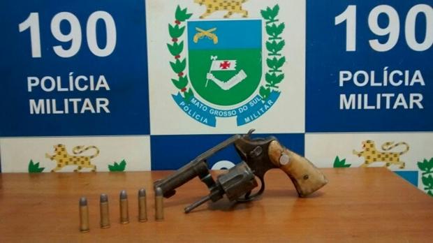 Revolver capturado pelo 13º BPM/ Foto Divulgação PM