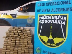 Droga apreendida na rodovia MS-164 (Foto: Divulgação/ PRE)