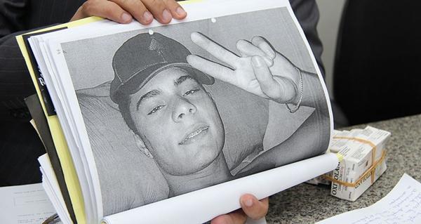 Adolescente morto em setembro de 2014