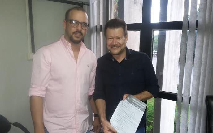 Maycon Nantes e o presidente do PHS-MS, Emídio Milas