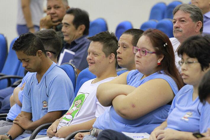 Alunos da escola Juliano Varela