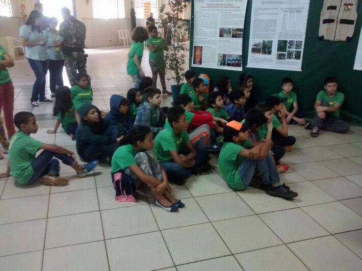 Crianças assistem palestra sobre preservação da fauna