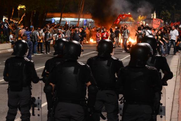 São Paulo - Manifestantes contra o impeachment na Avenida Paulista
