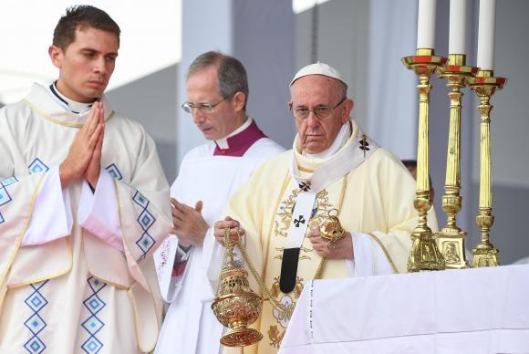 """Papa Francisco disse que acompanha """"muito de perto o que acontece com o furacão Irma"""", que está passando pelo Caribe causando um rastro de destruição e já deixou milhares de desalojados"""