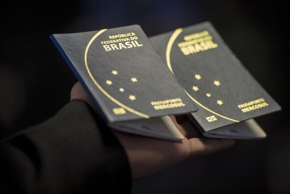Lei autoriza cartorios a emitir passaporte