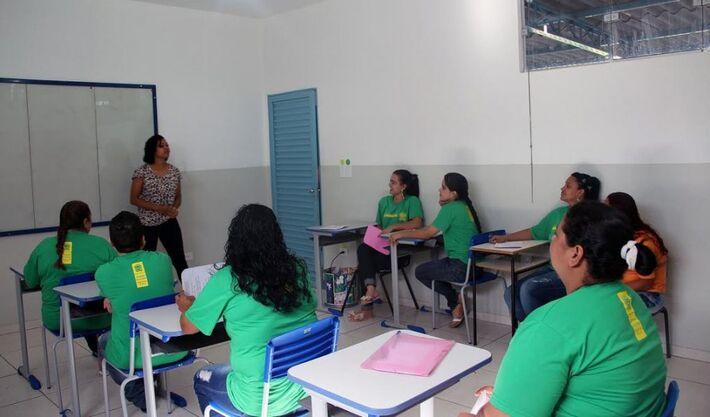 Polícia Civil tem ido às escolas públicas e particulares de MS ensinar crianças e adolescentes a identificar e se proteger de humilhações e intimidações dos colegas.
